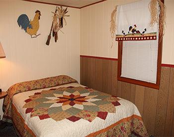 http://www.val-e-vueresort.com/wp-content/uploads/cabin-3-3-350x275.jpg