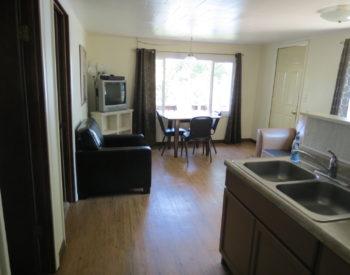 https://www.val-e-vueresort.com/wp-content/uploads/cabin-6-livingroom-350x275.jpg